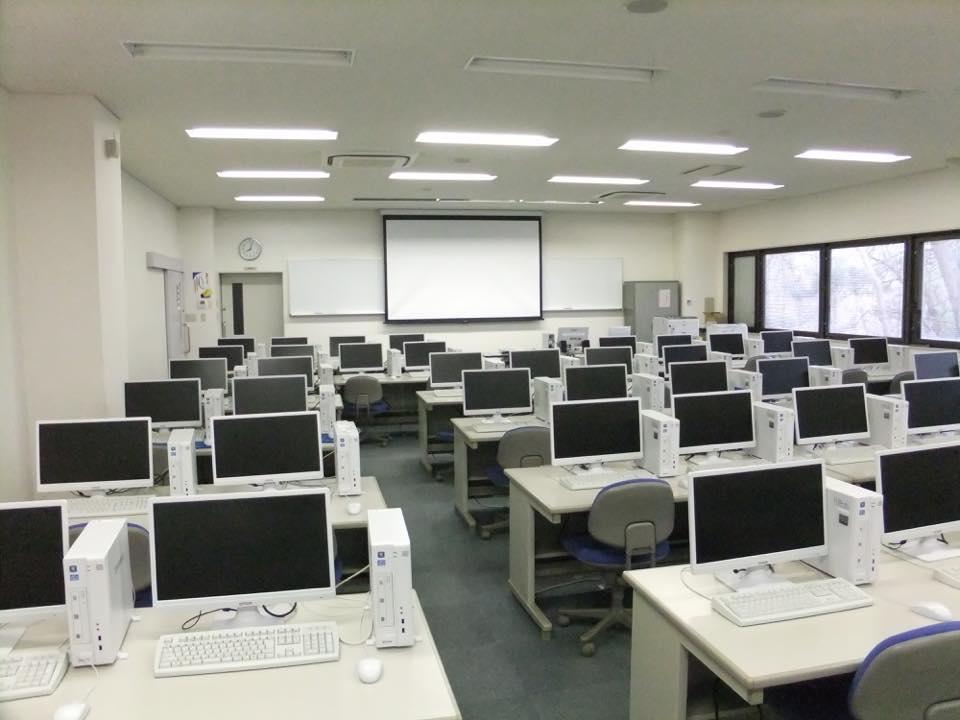 情報教育実習室(コンピューター室)の写真